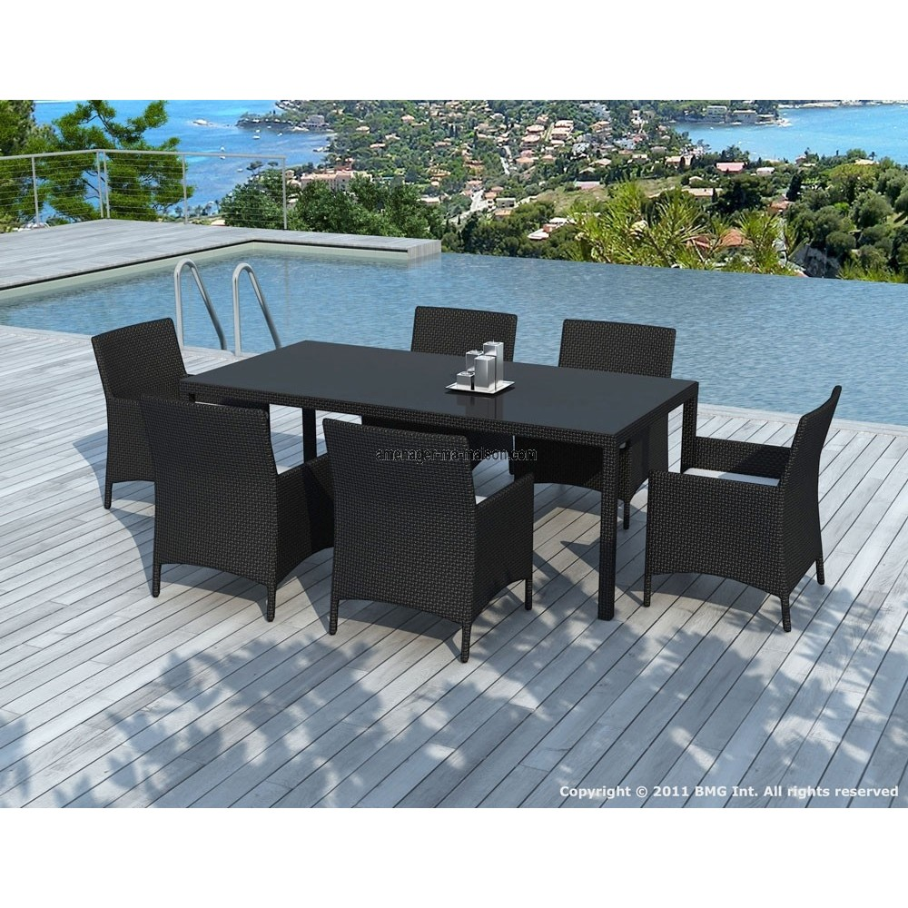 table de jardin et chaises. Black Bedroom Furniture Sets. Home Design Ideas