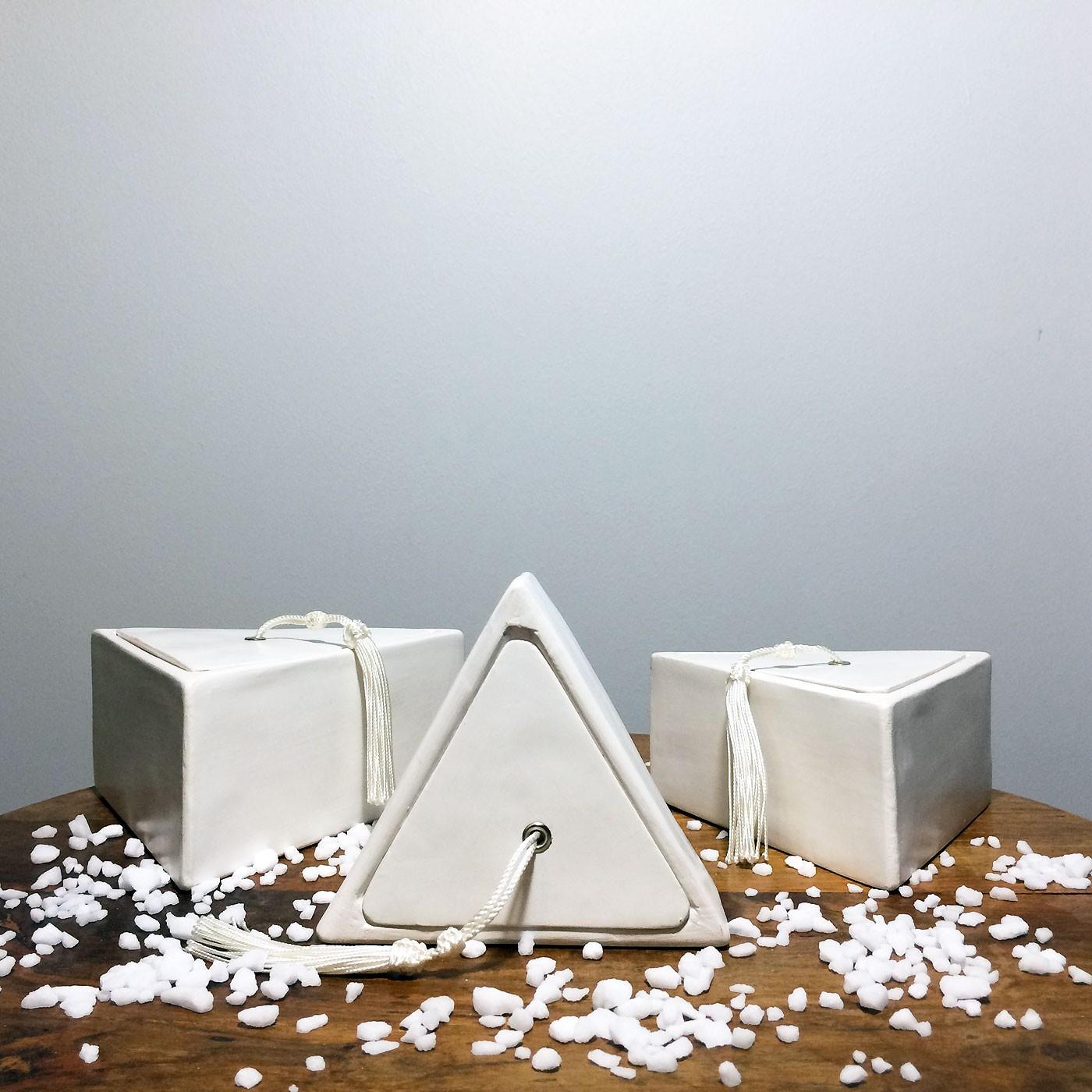 Accessoires salle de bain triangulaire for Cedeo accessoires salle de bain