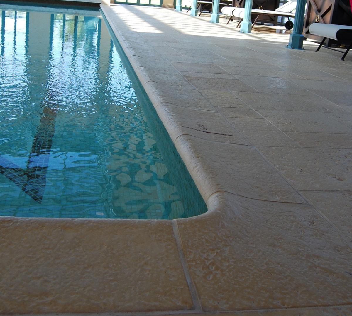 kit margelles de piscine en pierre reconstitu e avec escalier roman 4 cm 5 x 10 ml ocre galb e. Black Bedroom Furniture Sets. Home Design Ideas