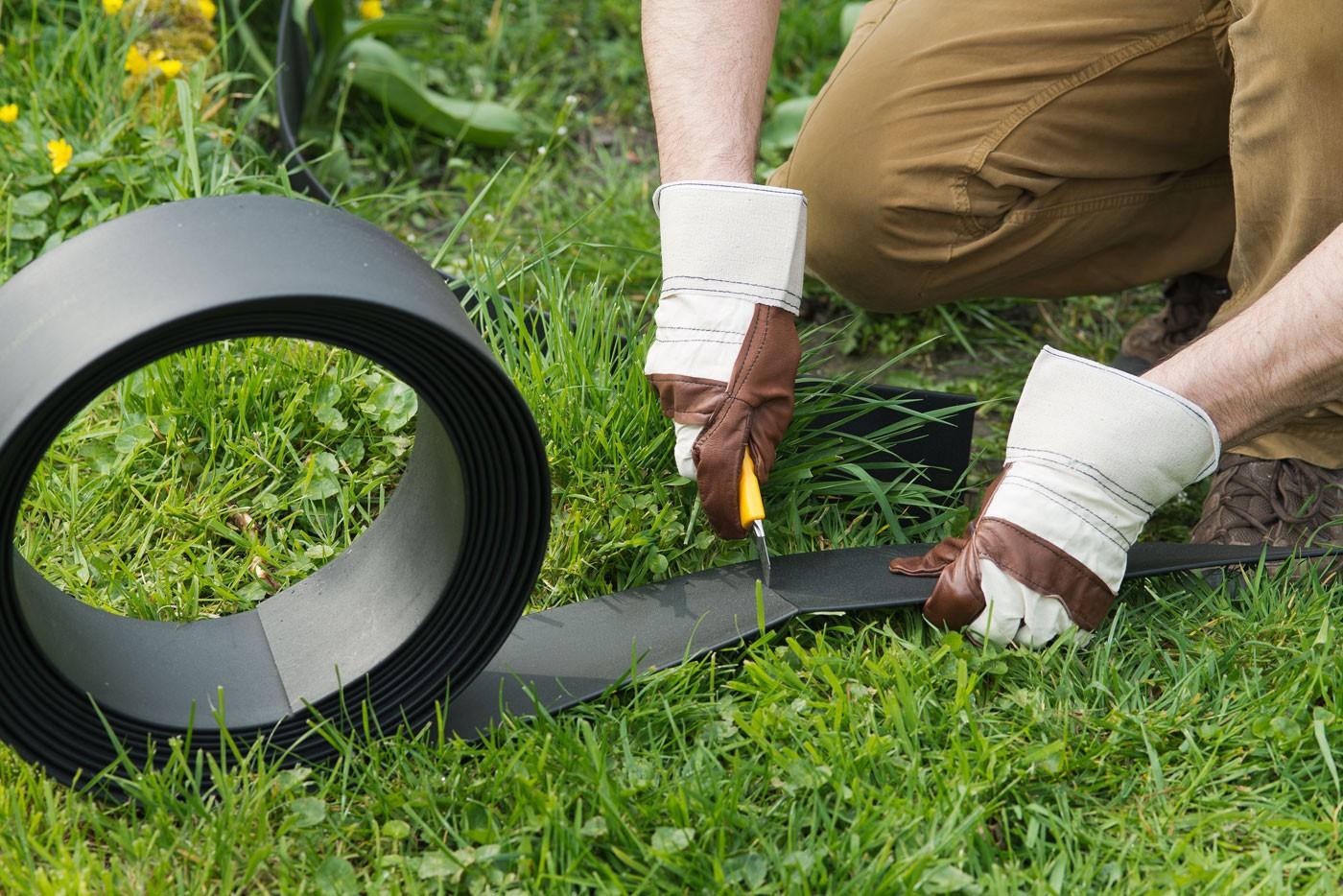 Bordure jardin plastique cm x 5 m noire for Cafard noir de jardin
