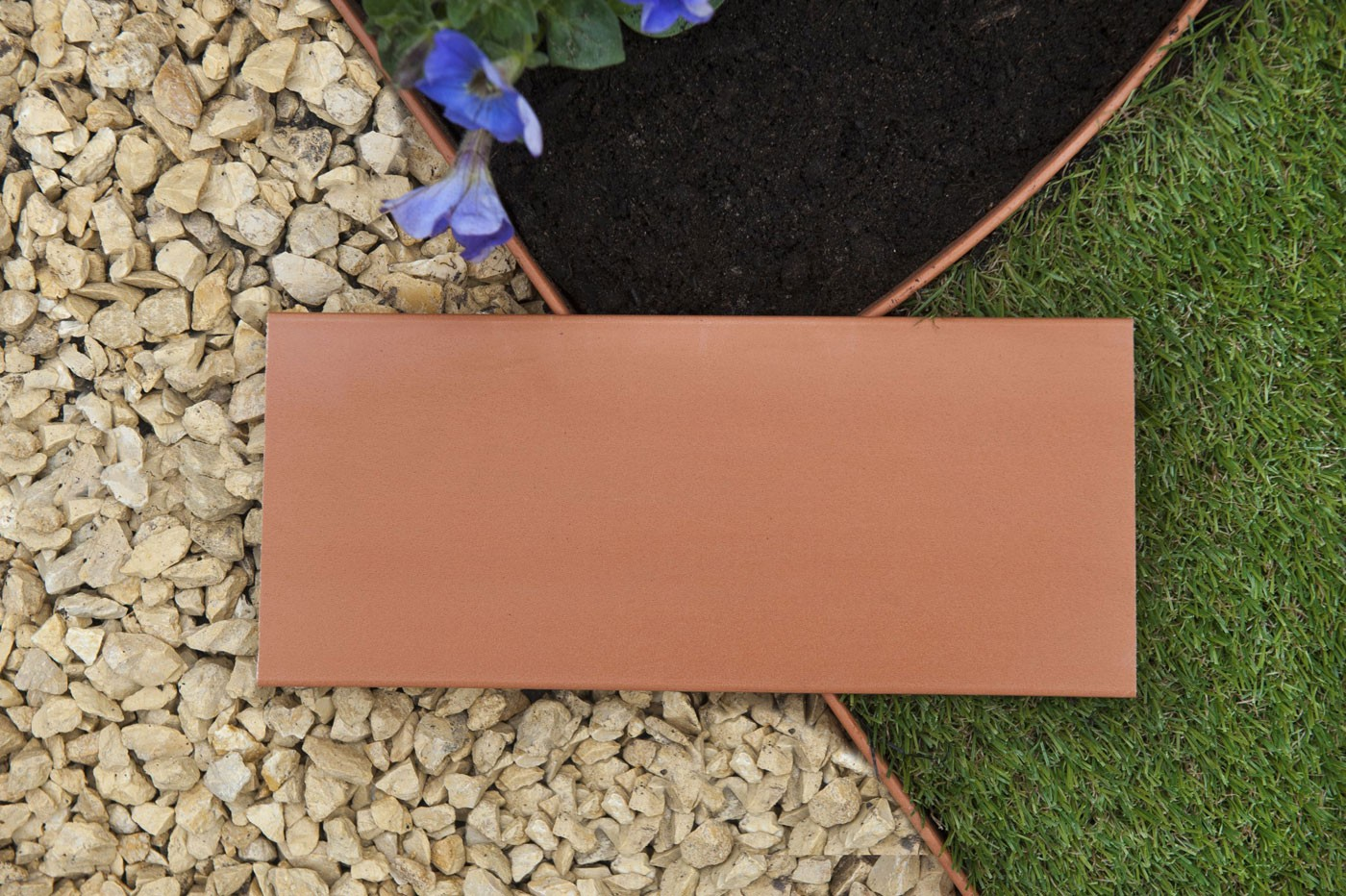 Bordure jardin plastique cm x 5 m terracotta for Bordure jardin plastique gris