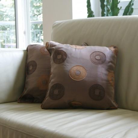 Coussin décoratif marron