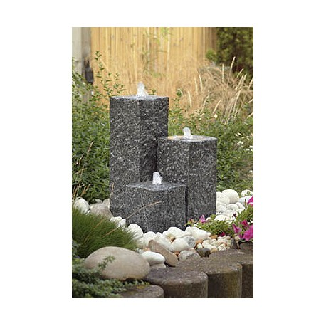 Cascade de jardin en granit carrée Siena 15 x 15 x 50 cm