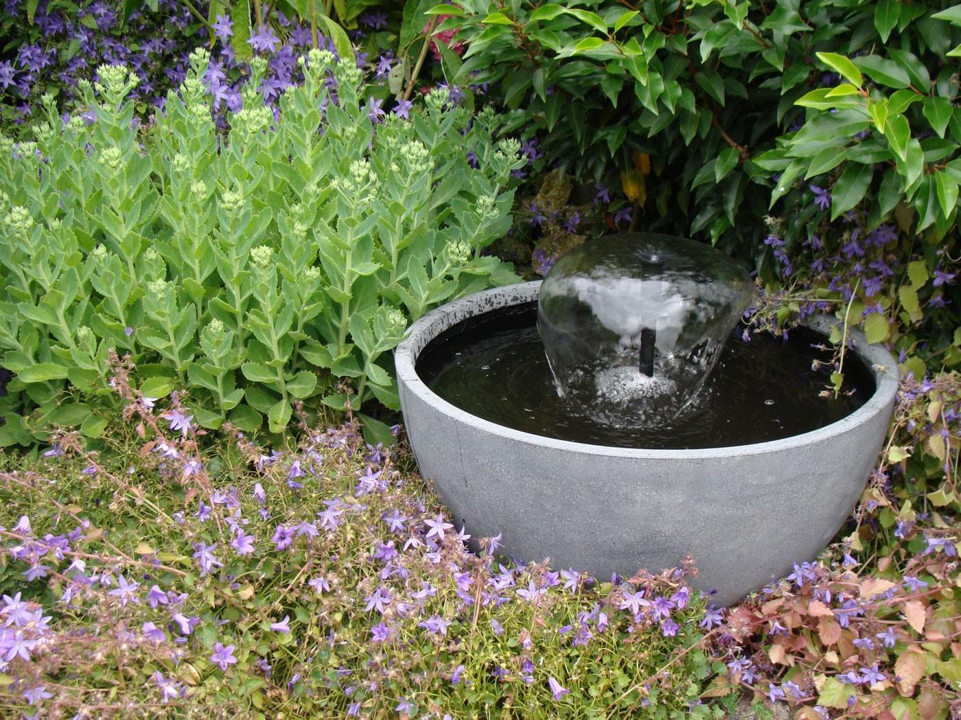 Cascade polystone mini bassin iii for Mini bassin de jardin