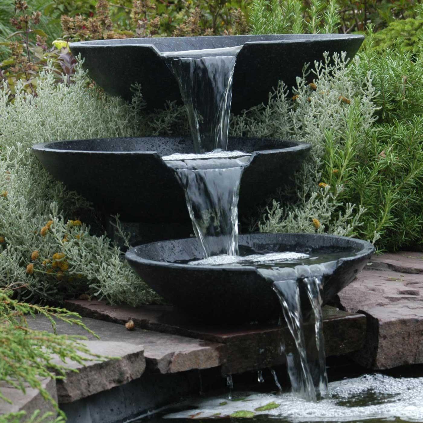 bassin jardin avec cascade fashion designs. Black Bedroom Furniture Sets. Home Design Ideas