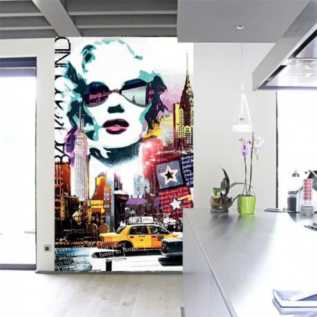 POSTER GEANT SUSPENDU MARYLIN