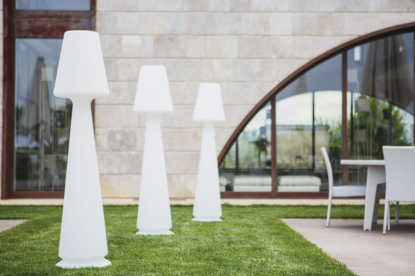 lampe de jardin en polypropyl ne chloe. Black Bedroom Furniture Sets. Home Design Ideas