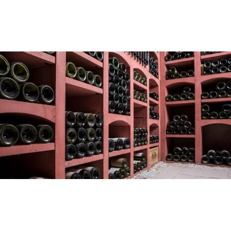 Casiers à bouteilles de vins en pierre reconstituée rouge pour 343 bouteilles