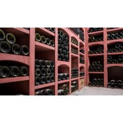 Casiers à bouteilles de vins en pierre reconstituée rouge pour 404 bouteilles