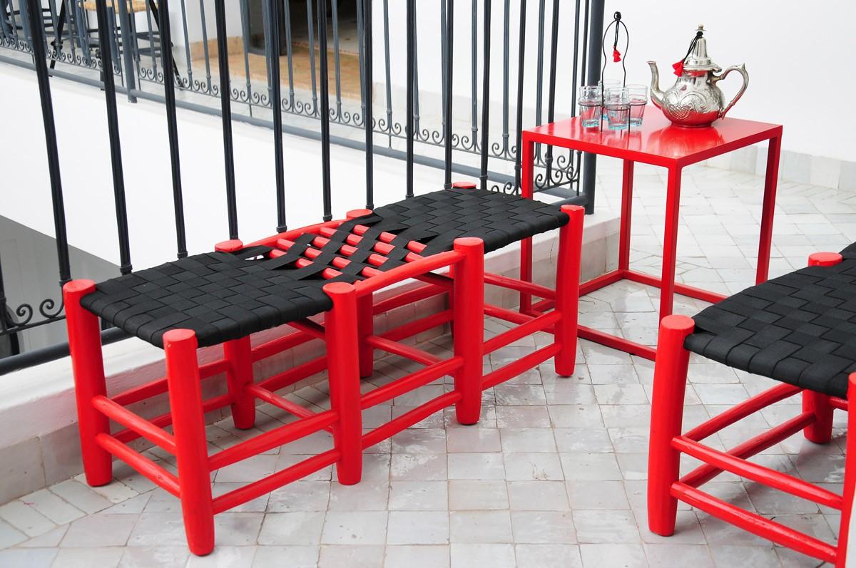 tabouret marocain deux places rouge. Black Bedroom Furniture Sets. Home Design Ideas