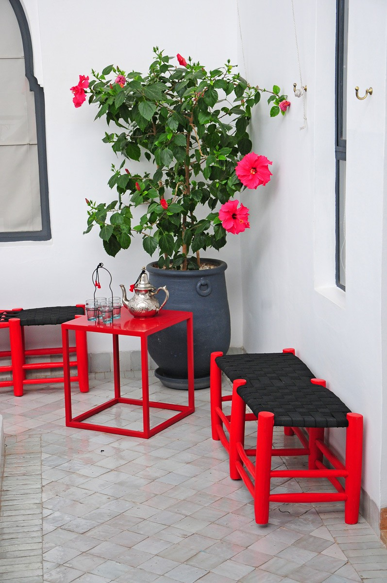 table de balcon table balcon rouge en fer cm with table de balcon perfect table de balcon. Black Bedroom Furniture Sets. Home Design Ideas