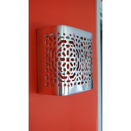 Applique murale design carrée en aluminium 20 x 20 cm