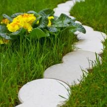 Bordure terrasse et jardin - Maison en plastique de jardin ...