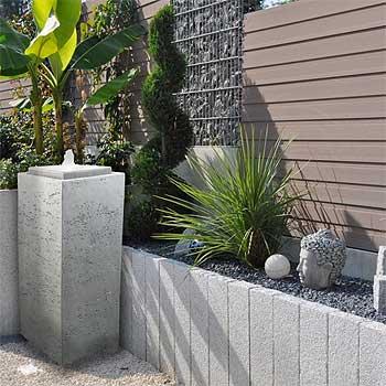 fontaine de jardin en béton