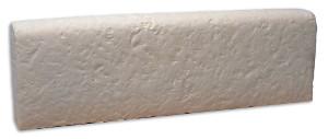 bordure ancienne en pierre reconstituée