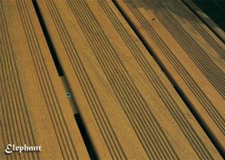 pose de lame de terrasse