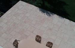 dalle en pierre reconstituée multi-format pour terrasse