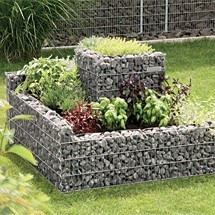comment r aliser la pose d une jardini re en gabion dans son jardin. Black Bedroom Furniture Sets. Home Design Ideas