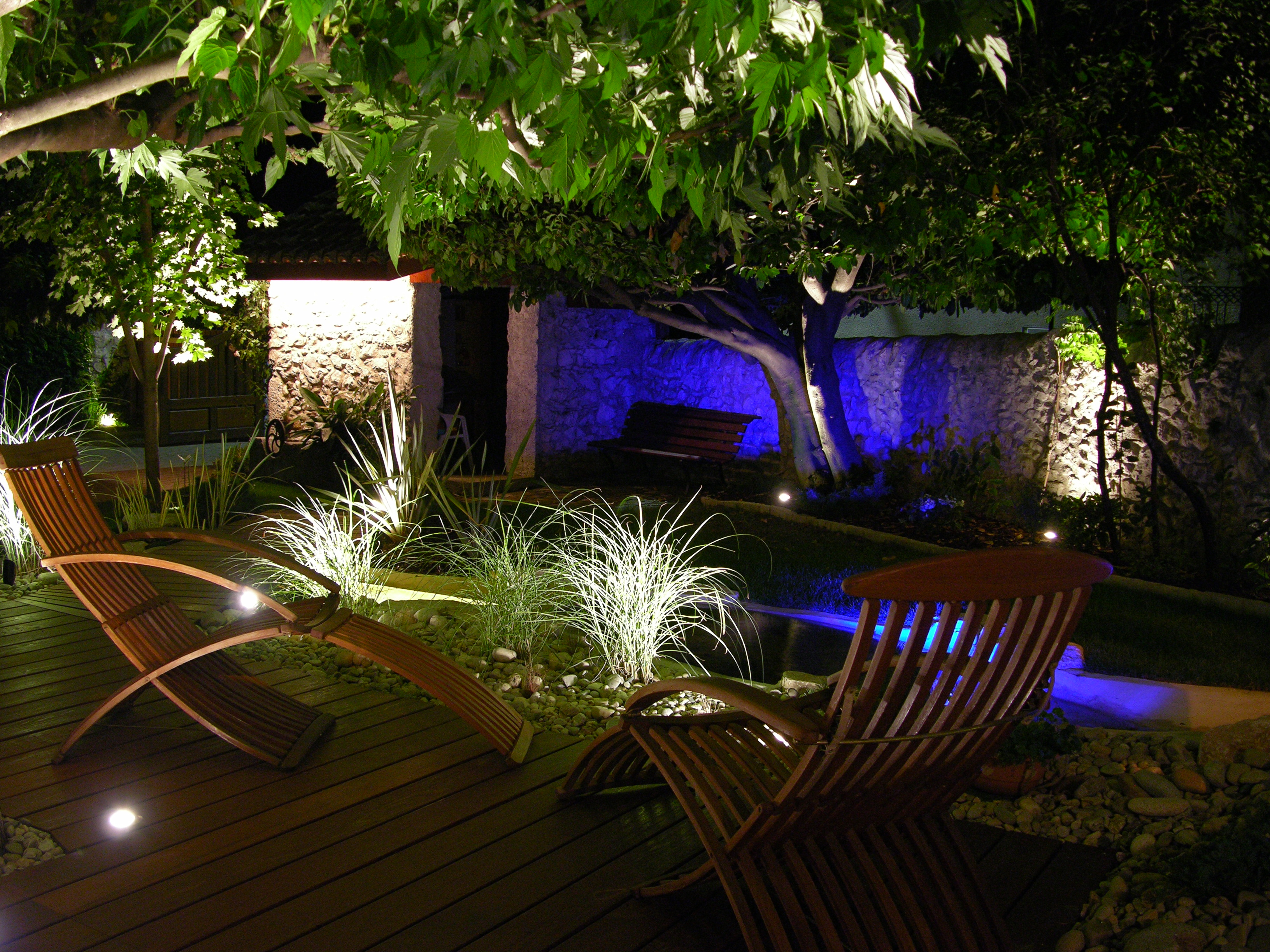 Comment mettre son jardin en lumi re for Lumiere maison exterieur