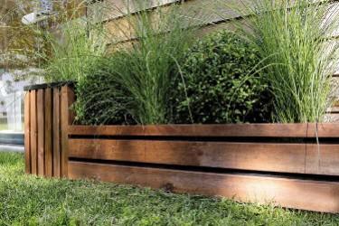 D limiter une all e de jardin avec des bordures en bois for Bordure jardin fait maison